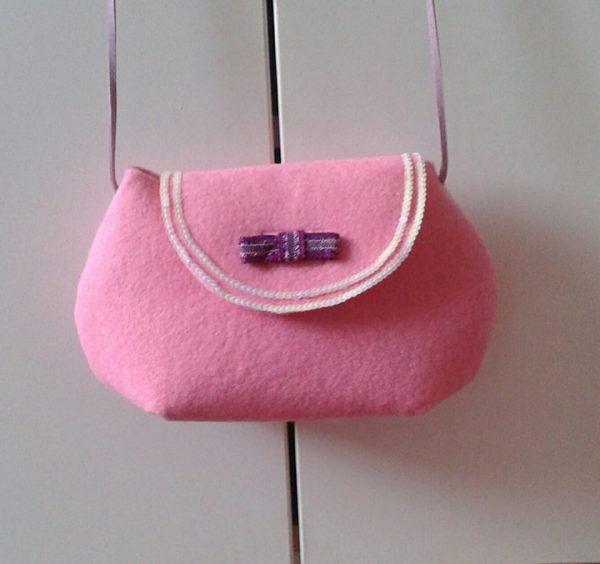 Petit sac fille rose en feutrine avec lanière