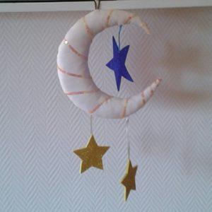 Mobile lune et étoiles décoration enfants